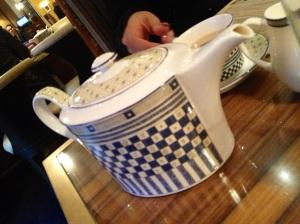 Pret-a-Portea Teapot & Tea