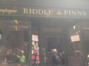 Riddle & Finns Champagne & Oyster Bar