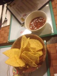 Tortilla Chips & Salsa Dip