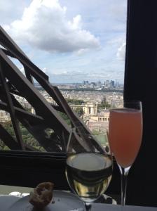 Drinks at Jules Verne Paris
