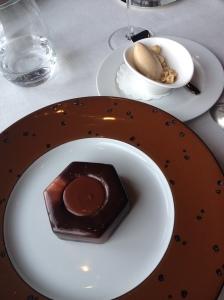 Jules Verne Tower Bolt dessert